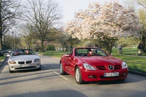 Mercedes-Benz SLK 200 gegen BMW Z4 2.2i