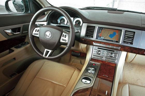 Jaguar XF V8