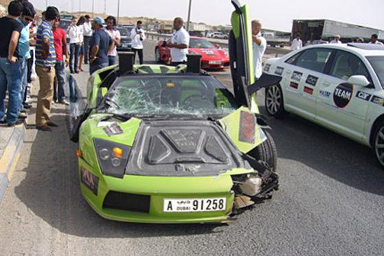 Knitterfalten am 200.000 Euro teuren Lamborghini blieben leider nicht aus.