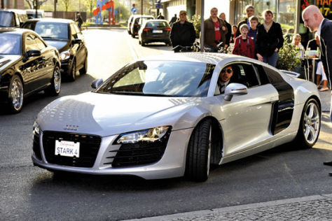 Audi R8 mit Fahrer Robert Downey Jr.
