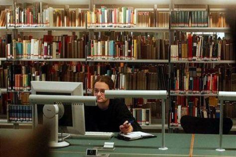 VW-Bibliothek in Berlin eröffnet