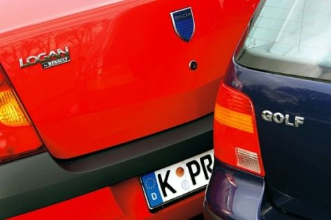 Dacia Logan gegen VW Golf IV