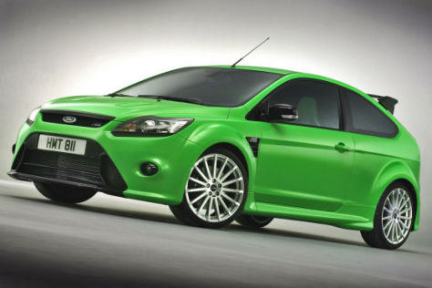 In London zeigt Ford den Focus RS mit 300 PS.