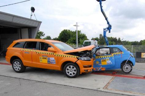 Crashtest Audi Q7 Fiat 500