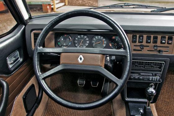 Renault 20 TS Cockpit Armaturentafel