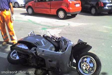 Bild von Unfallort: Laut Behörden wurde Andrea Pininfarina auf einer Vespa von einem Auto gerammt.