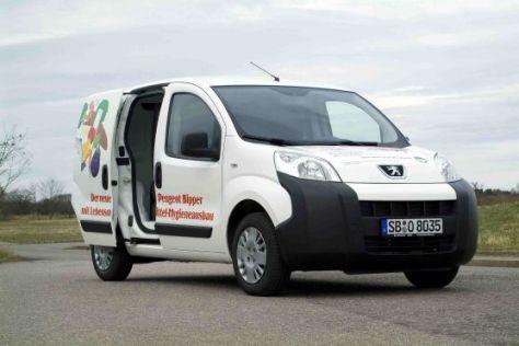 Peugeot Bipper mit Hygieneausbau für Lebensmitteltransporte.