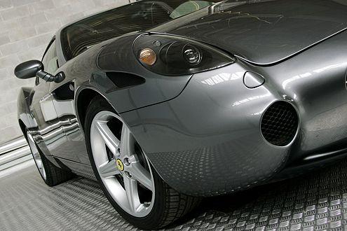 Die einzige Leihgabe von einem bereits existierenden Ferrari sind die Scheinwerfer des 612 Scaglietti.