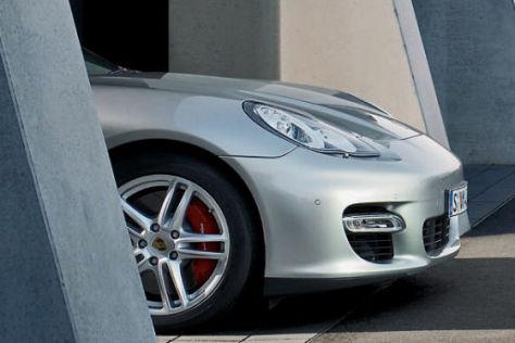 Porsche Panamera Front