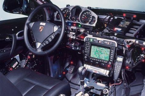 Gläserner Porsche Cayenne