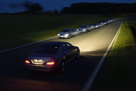 Mercedes Adaptiver Fernlicht Assistent