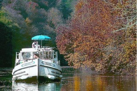 Herbstreisen mit dem Hausboot