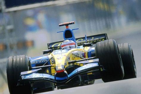 Teams testen V8-Triebwerke