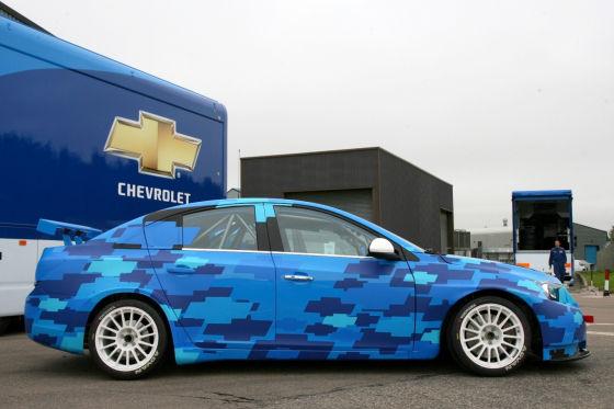 Blauer Blitz: Chevrolet wird mit neuem Cruze und bewährten Fahrern erstmals in Brasilien zu einem Rennen antreten.