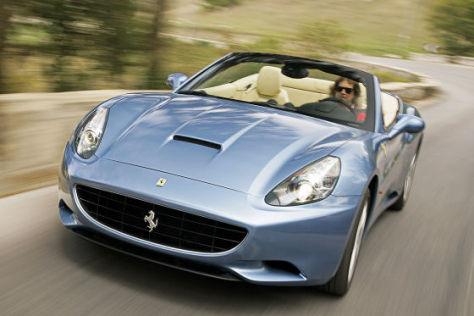 Ein V8 mit 430 PS beschleunigt den neuen Ferrari California auf 310 km/h.