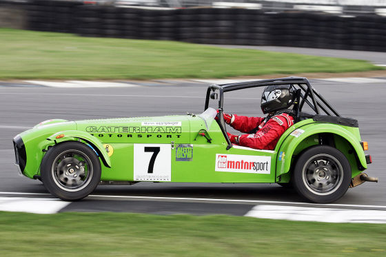 tracktest caterham seven roadsport a. Black Bedroom Furniture Sets. Home Design Ideas
