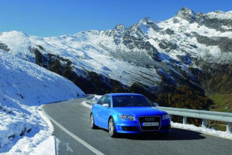 """Beim """"Driver's Day"""" geht es im Audi-Spitzenmodell in die verschneiten Alpen."""