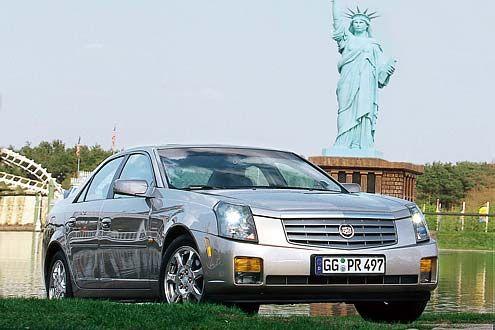 Cadillac CTS 2.6 V6 vor der Freiheitsstatue