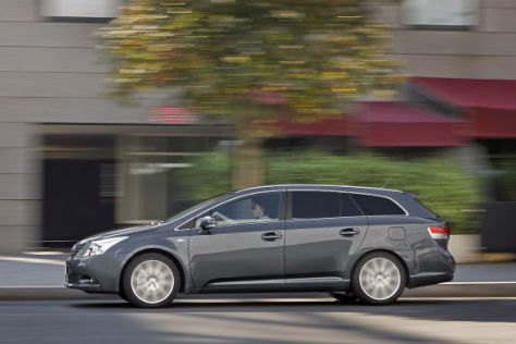 Test Toyota Avensis Combi (2009)