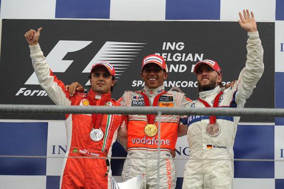 Wunschvorstellung Ecclestone: Nach jedem Rennen Medaillen am Hals der Formel-1-Piloten.