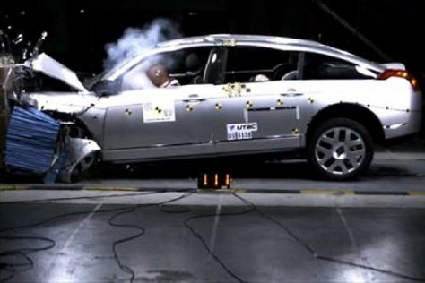 Citroën C6 im Crashtest