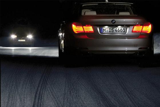 BMW 7er, adaptive Leuchtweitenregulierung