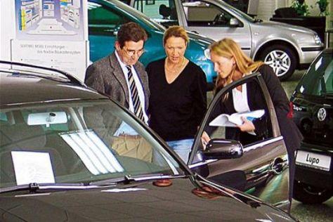 Frauen zahlen höhere Autopreise