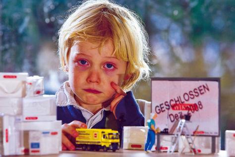 Kein gutes Ende: Wikings Abzug aus Berlin bringt diesen kleinen Fan zum Weinen.