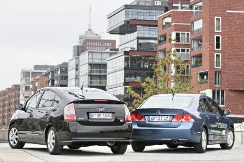 Honda Civic Hybrid 1.3 gegen Toyota Prius HSD
