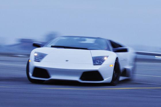 Der Macho-Sportler: Der Lamborghini Murciélago LP-640 Roadster sieht hart aus, ist aber eine ehrliche Haut.