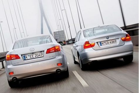 BMW 325i gegen Lexus IS 250