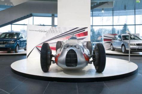 Treffen der Generationen - Effizienz im Wandel der Zeit Auto Union Rennwagen Typ D