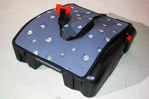 ... ist die Safety-Box völlig ungeeignet und bestenfalls als Notsitz akzeptabel.