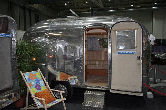 Ein Traum von einem Caravan: der US-amerikanische Airstream. Solche Oldtimer werden auch in Deutschland vermietet.