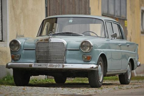Mercedes 200 D W 110