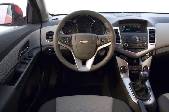 Chevrolet Cruze Innenraum Cockpit