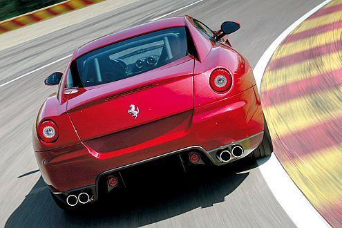 Der 599 GTB ist nicht nur atemberaubend gezeichnet, er fährt sich auch so.