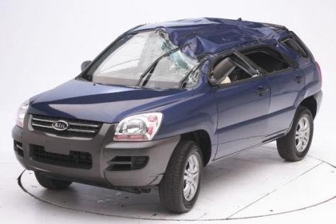 Schlechtestes Ergebnis beim Überroll-Crashtest bekam der Kia Sportage.
