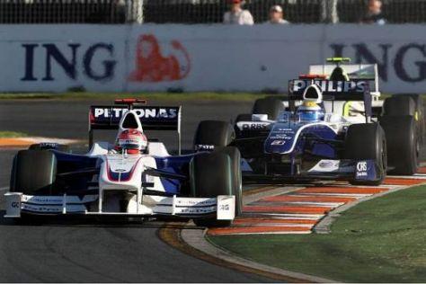 Robert Kubica vor Nico Rosberg, der Deutsche wurde weit zurückgereicht