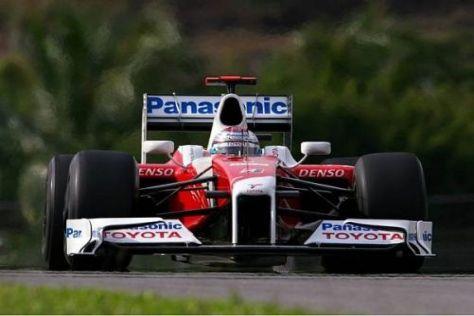 Jarno Trulli ärgert sich ein wenig über die nur knapp verpasste Pole Position