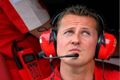 Michael Schumacher muss sich nach den ersten zwei Rennen Kritik anhören