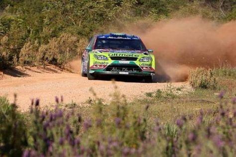 Mikko Hirvonen beendete den ersten Tag in Portugal als Spitzenreiter