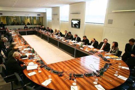 """Der FIA-Weltrat in Paris: 26 Stimmen entscheiden in der """"Liegate""""-Affäre"""