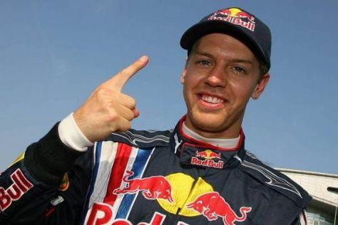 Sebastian Vettel jubelt über seine zweite Pole Position