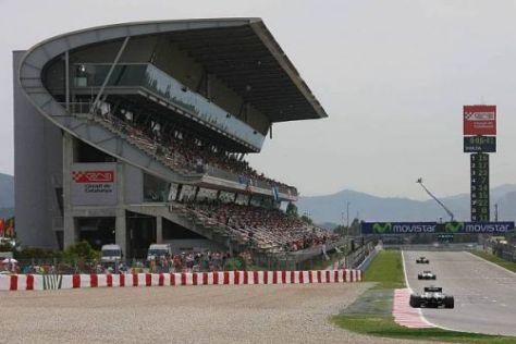 Nico Rosberg auf der Start- und Zielgerade von Barcelona