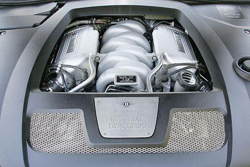 Dampfmaschine à la Bentley: 456 PS in ansprechender Form, auch optisch.