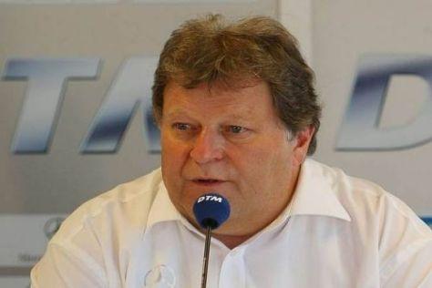 Mercedes-Motorsportchef Norbert Haug hütet sich vor Vorhersagen für 2009
