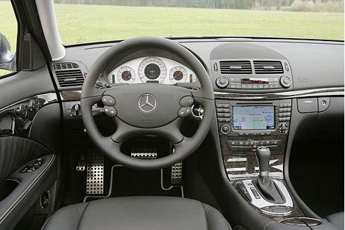 Das Mercedes-Ambiente ist edel und ergonomisch nahezu perfekt.