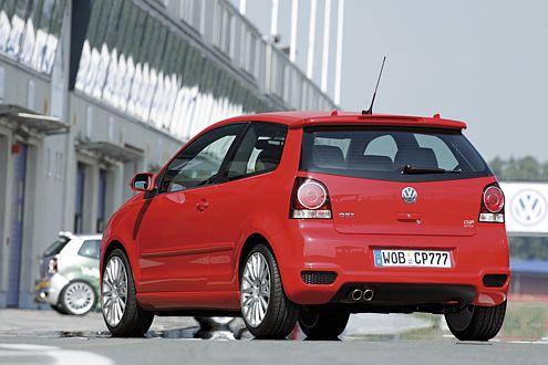 Was hilft gegen Hornissen? VW setzt auf einen Polo GTI mit 180 PS.