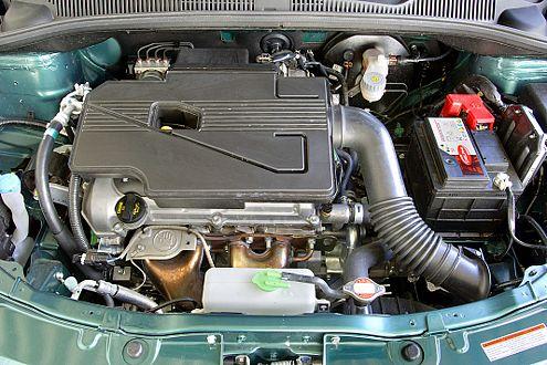 Dröhnt nicht und zieht ordentlich: der Suzuki-Motor im Fiat.